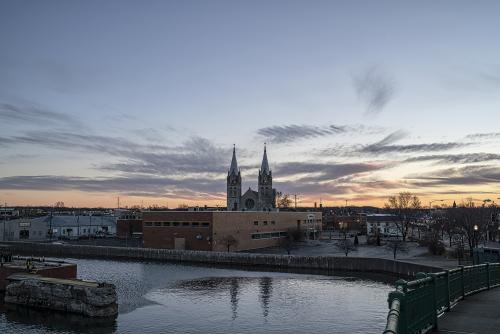 joliet_dawn_steeples_122916.jpg
